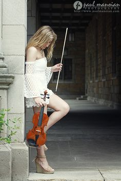 Senior Pictures with a Violin Ideas - Senior pictures ideas for girls - Ann Arbor and Metro Detroit senior pictures photogapher
