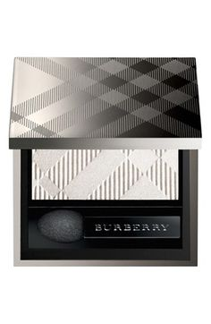 Burberry wet & dry Glow eyeshadows (colours nude & shell)