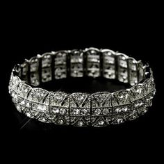 Silver Clear Vintage Style Bracelet- Stunning. Perfect accessory for a #vintagewedding