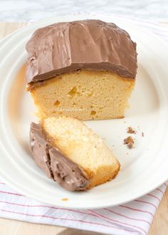 Twix cake - Laura's Bakery