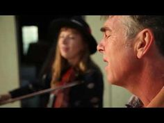 Richie & Rosie: Traditional music duo seeks to create personal, intimate experiences for audience #video