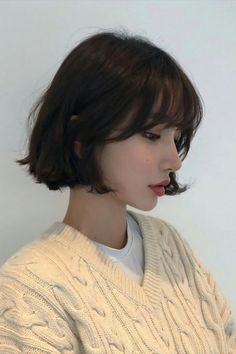 Uploaded by Nina. Find images and videos about girl, korean and asian on We Heart It - the app to get lost in what you love. hair korean Image in girls collection by Ninna on We Heart It hair boy Kpop Short Hair, Ulzzang Short Hair, Short Hair With Bangs, Girl Short Hair, Short Hair Cuts, Korean Short Hair Bob, Korean Short Hairstyle, Short Hair Styles Asian, Asian Haircut Short