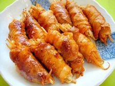 「もやしとキムチの豚バラ巻き」キムチの旨み辛味が豚バラにも染みて美味しいです。もやしが長いので半分に切った方が食べやすいかもです。【楽天レシピ】