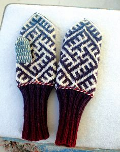 Slavic mittens