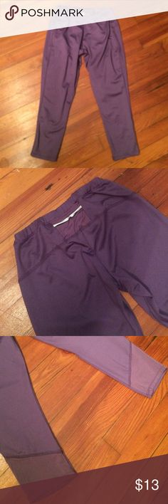 Purple Workout Capri Leggings Only wore once. Has back pocket shown in second photo. Polyester and Spandex. Old Navy Pants Leggings