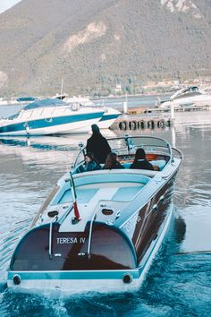 Our lady, ready for the trip🤩 Riva Boat, Vintage Boats, Wine Collection, Speed Boats, Back In Time, Wooden Boats, Dodge Charger, Our Lady, Yachts
