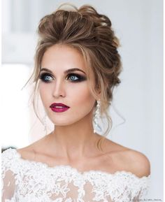 Natural Wedding Makeup Tips For The Minimalistic Millennial Bride To Be Wedding Makeup Tips, Natural Wedding Makeup, Wedding Makeup Artist, Bridal Makeup, Bridal Hair, Wedding Makeup Looks, Romantic Wedding Hair, Hair Wedding, Braut Make-up