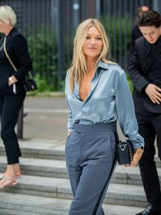 Kate Moss's Facialist Says to Avoid This Mistake for Great Skin in Your Best skincare routine for Kate Moss wearing blue silk shirt and trousers Fashion Week, Girl Fashion, Fashion Tips, 40s Fashion, Estilo Kate Moss, Kate Moss Stil, Gq, Vogue, Street Style