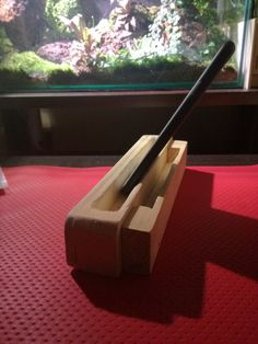Wooden scrap iphone/ipad stand speaker