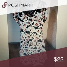 """S.O.R.A.D. Floral Daisy Dress V Neck NWT V neckline, ties in the back, brand new with tags still attached   Armpit to Armpit - 16 1/2"""" Top to Bottom - 31 1/2""""  C-1 s.o.r.a.d. Dresses"""