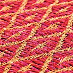 [ Will you be my Valentine? ] Love kisses and Valentine wishes. And of course our Rhombus weaves in passionate Fucsia and romantic red! Happy Valentines to you all! May you be showered with love today and always. #VerdiDesign #WeavingIntoNature #HappyValentines #Metal #Rugs #Copper #Handmade #MadeInColombia #Handcrafted #Metallic #Carpet #Textiles #Weaves #Bespoke #BespokeRug #Design #Interior #InteriorDesign #Art #Architecture #InteriorArchitecture #Colombia
