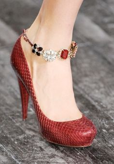 Nina Ricci : Nina Ricci / beautiful shoes