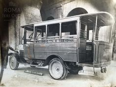 Piazza del Colosseo (1925 ca) Transportation Technology, Buses, Old Photos, Classic, Vehicles, Movie Posters, Past Tense, Cars, Italia