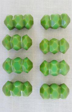 ¤ Green Bakelite Button Card