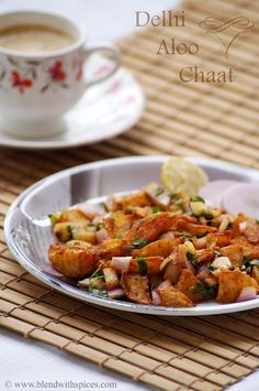 Delhi Style Fried Aloo Chaat Recipe - A popular Indian street food! blendwithspices.com