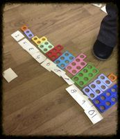 Great idea for numicon numberline Maths Eyfs, Preschool Activities, Numicon Activities, Numeracy, Teacher Training Primary, Abc Does, Math Challenge, Challenge Cards, Early Years Maths