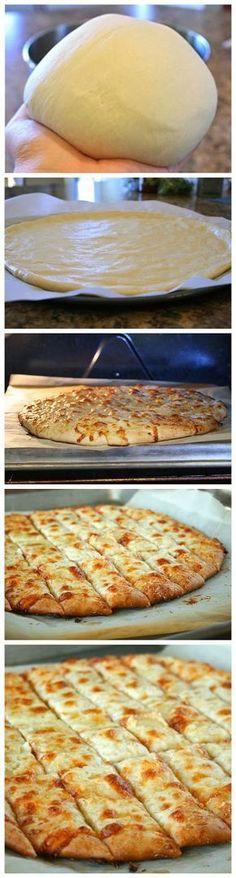 Ausfallsicher Pizzateig und Cheesy Knoblauchbrot Sticks ~ GuideKitchen