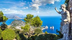 Don't let its exclusivity stop you from visiting this Italian island. There are several budget-friendly things to do in Capri! Things To Do, How To Memorize Things, Top Destinations, Sorrento, Cosmos, Rome, Golf Courses, Tours, Island