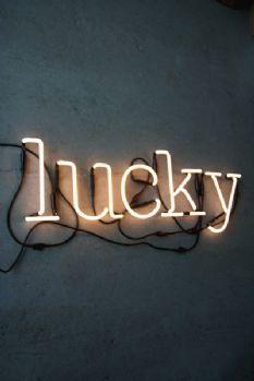 LUCKY Neon Light