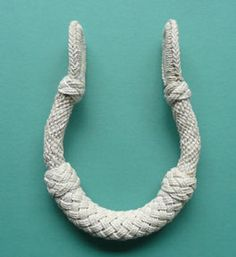 """knot tutorial. the """"wrought"""" style of sea chest beckets (handles)"""