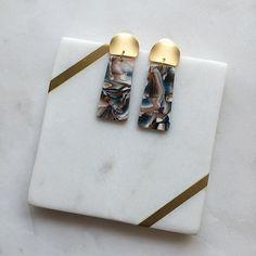 Statement Earrings, Dangle Earrings, Gold Studs, Green And Brown, Fashion Earrings, Earrings Handmade, Resin, Dangles, Etsy Shop