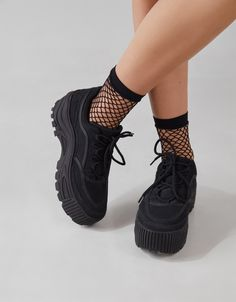 Discover the latest trends in fashion in Bershka. Buy online shirts, dresses, jeans, shoes and much more. Fancy Shoes, Trendy Shoes, Me Too Shoes, Fishnet Socks, Mesh Socks, Heels Outfits, Aesthetic Shoes, Hype Shoes, Girls Sneakers