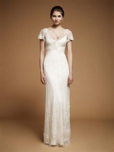 I am in LOVE with this Jenny Packham Art Nouveau style wedding gown #weddingdress