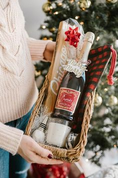 Country Living DIY Christmas Baskets Wine Lovers Basket Forget the snow! Country Living DIY Christmas Baskets Wine Lovers Basket Forget the snow! Give your friends and fami Diy Christmas Baskets, Wine Gift Baskets, Christmas Gift Baskets, Christmas Wine, Diy Christmas Gifts, Holiday Gifts, Coffee Gift Baskets, Food Gift Baskets, Gift Baskets For Women