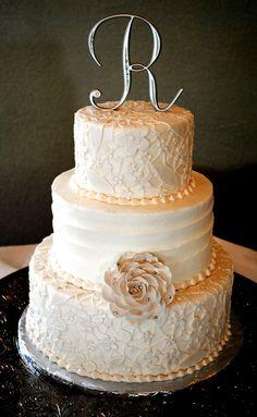 Vintage shabby chic wedding cake