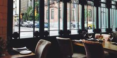 Casa Mono es un bonito bar-restaurante que nos recuerda a esos otros neoyorquinos que podemos encontrar en barrios como el Upper East Side.