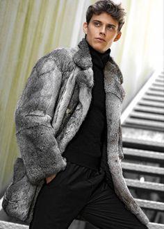 Mens Fur Collar Coat, Fur Fashion, Mens Fashion, Fur Jackets, Fur Coats, Furs, Athletes, Mantel, Collars