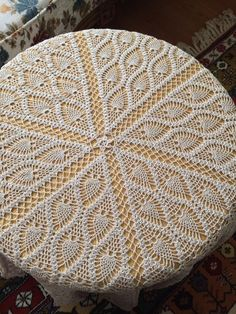 Crochet Table Runner Pattern, Crochet Tablecloth, Crochet Diagram, Crochet Stitches Patterns, Crochet Doilies, Crochet Buttons, Thread Crochet, Crochet Bedspread, Crochet Home
