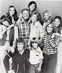Eight Is Enough - I wrote a letter to the cast and got a picture of them in the mail. I was SOOOOO excited.