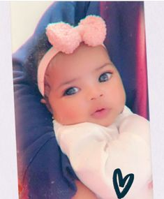 Young Miami reveals pictures of baby Summer and she's gorgeous ! Cute Mixed Babies, Cute Black Babies, Beautiful Black Babies, Cute Baby Girl, Beautiful Children, Cute Babies, Kids Outfits Girls, Cute Outfits For Kids, Cute Kids