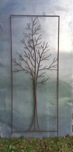 """Un tuteur """"arbre"""" dans un cadre de 1, 65 m par 0, 60 m Www.tuteur-de-jardin.fr Qué buena idea para hacer tutores en un jardín con una forma definida"""
