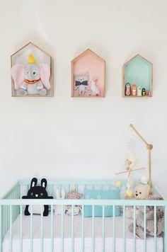 Soft pastels in the baby room - Werk met zachte pastels in de babykamer. Gegarandeerd een schattig eindresultaat.