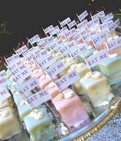 Alice in Wonderland Wedding - Wacky or Wonderful? ** different flavored cake bites!** I would never do a strictly Alice/Wonderland wedding, but a storybook wedding with lots of lit. Mad Hatter Party, Mad Hatter Tea, Mad Hatter Cake, Mad Hatter Wedding, Mad Hatter Birthday Party, Madd Hatter, Petit Cake, Alice Tea Party, Mad Tea Parties