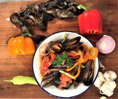 Μύδια αχνιστά Seafood, Beef, Fish, Chicken, Cooking, Ethnic Recipes, Cherry, Drink, Sea Food