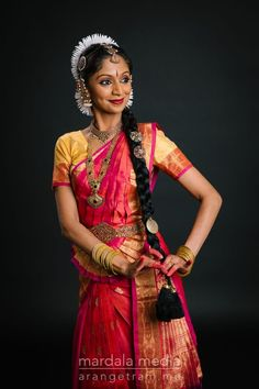 Photography by John Merrell. Best Friend Challenges, Indian Classical Dance, Folk Dance, Dance Poses, Indian Paintings, Dance Outfits, Girl Pictures, Diy Beauty, Dancers