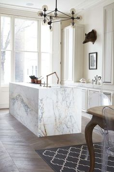 10 Beautiful Rooms - Mad About The House: marble island and parquet floor by blakes london Home Decor Kitchen, Interior Design Kitchen, Kitchen And Bath, New Kitchen, Home Kitchens, Kitchen Dining, Kitchen Ideas, Stylish Kitchen, Kitchen White