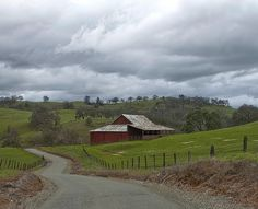 California Barns by jp2pix.com, via Flickr