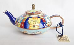 Top Cat teapot - miniature enamel pot by Charlotte di Vita, available at nivagcollectables.co.uk