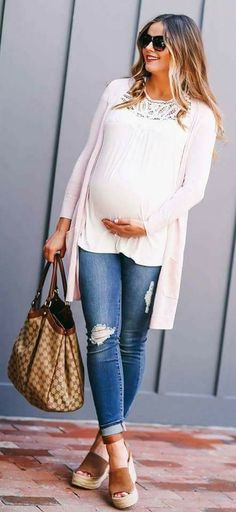 // Blush Pink Cardi & The Best Affordable Maternity Jeans Best Maternity Jeans, Casual Maternity Outfits, Spring Maternity, Pink Blush Maternity, Maternity Wear, Maternity Fashion, Stylish Outfits, Fashion Outfits, Maternity Clothing