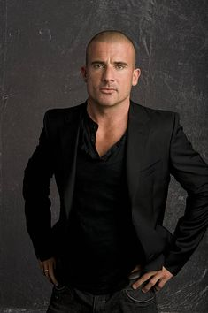Photo of Dominic Purcell, Fox UpFront, June 2008 for fans of Dominic Purcell 19535621 Rockmond Dunbar, Lincoln Burrows, Wentworth Miller Prison Break, Hottest Guy Ever, Hottest Guys, Dominic Purcell, Adventure Movies, Joan Jett, Actrices Hollywood