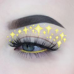 Starry night✨✨✨- Anastasia Beverlyhills dip brow pomade in medium brown- gel liner in platinum princess lashes- Eyeko London lash alert mascara Eye Makeup Tips, Makeup Goals, Skin Makeup, Makeup Inspo, Makeup Art, Beauty Makeup, Makeup Hacks, Cute Makeup, Pretty Makeup