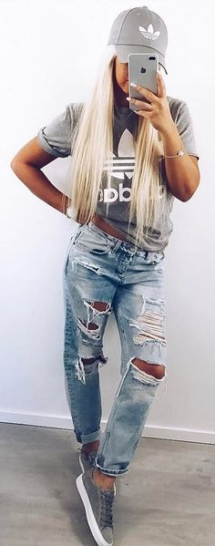 Best Outfit Ideas To Try Right Now, Summer Outfits, street style outfit idea top + ripped jeans. Street Style Jeans, Street Style Outfits, Looks Street Style, Mode Outfits, Casual Outfits, Cute Addidas Outfits, Adidas Outfit, Edgy School Outfits, Girl Outfits