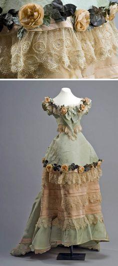 Silk Evening dress, Madame Louis, Paris, late 19th century, via Museum of Mexican History.