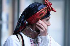 Gammel øst/raudtrøye fra Telemark Norway, Winter Hats, Valentines, Fashion, Hipster Stuff, Valentines Diy, Moda, Valantine Day, Valentine's Day