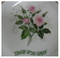Lembrança da Tavern on The Green do Central Park de Nova York Porcelana Villeta China.  http://www.antiguidadesonline.com/porcelana/tavern-on-the-green/index.php