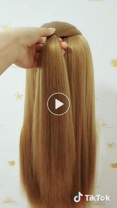 z ♬ original sound - Krótki filmik użytkownika ? z ♬ original sound - Creative Hairstyles, Girl Hairstyles, Braided Hairstyles, Cabelo Ombre Hair, Hair Braiding Salon, Curly Hair Styles, Natural Hair Styles, Hair Waver, Pinterest Hair